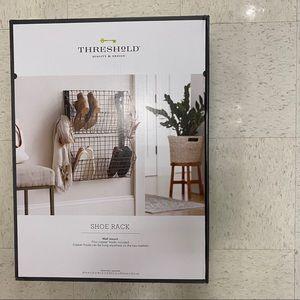 NEW Threshold wire shoe racks
